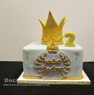 bolo aniversário coroa