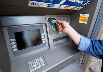 Tassa sui Bancomat, bisognerà provare come spendete i soldi prelevati