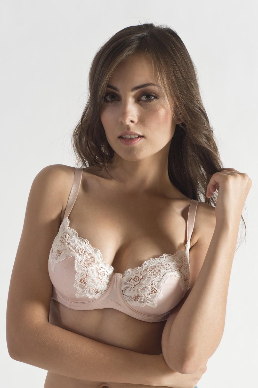 edb0b0bb4b Online Lingerie Store   Reasons Which Make Non Padded Bra Popular ...