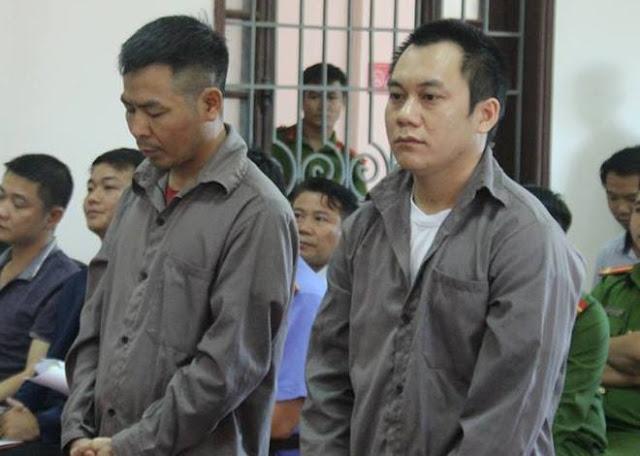 Hai tài xế Ngô Văn Sơn (trái) và Lê Ngọc Hoàng tại phiên tòa