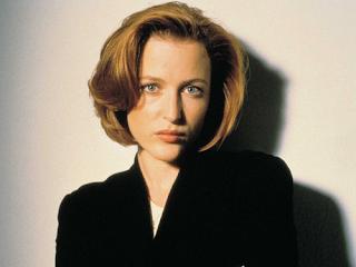Agente Dana Scully (Gillian Anderson)