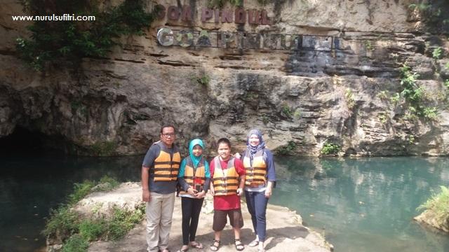 petualangan seru yogyakarta river tubing rafting sungai oyo wisata goa pindul nurul sufitri social media mom blogger traveling culinary review