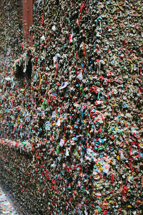 gum wall pike place market seattle attractions photography