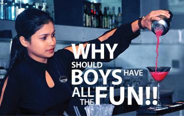 शराब पीने में भी आदमी औरत में बराबरी