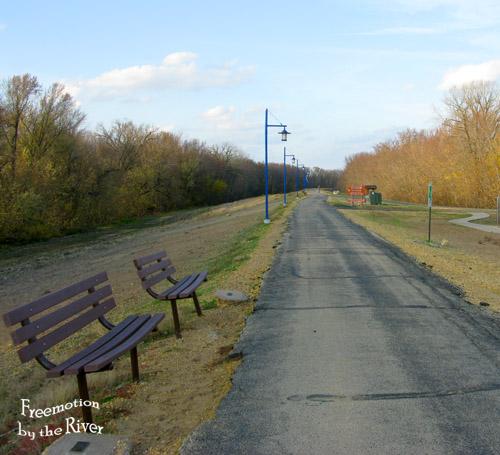 Bike path on island in Clinton Iowa