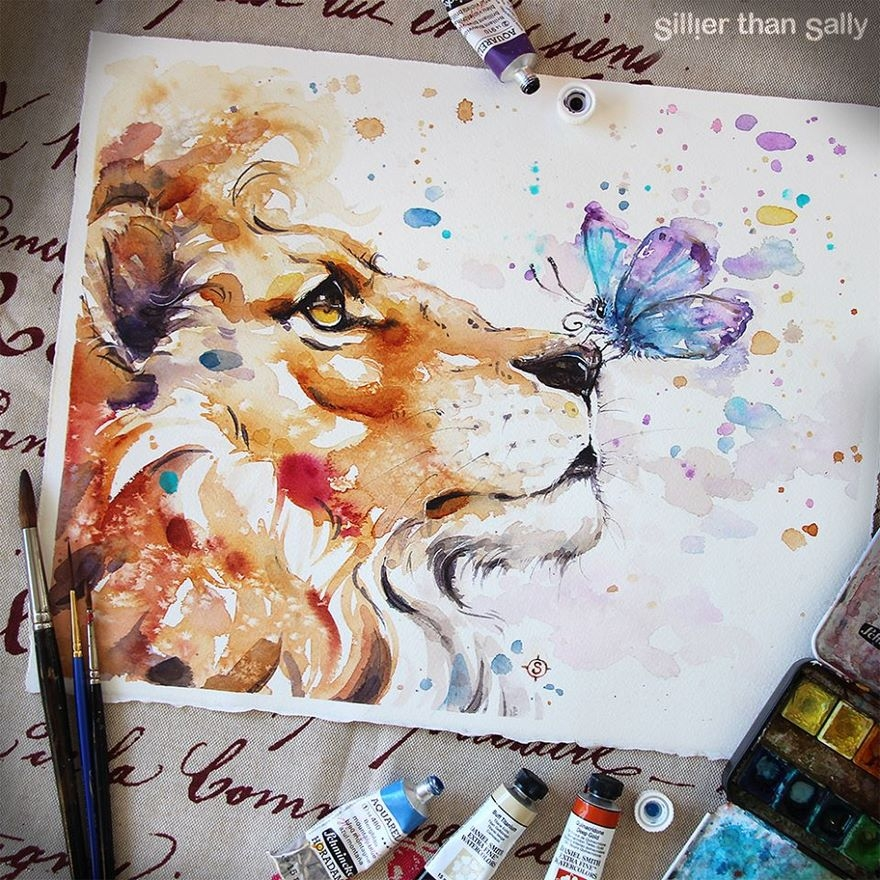12-The-lion-and-the-butterfly-Sally-Walsh-sillierthansally-Watercolour-Portraits-Paintings-of-Wildlife-www-designstack-co