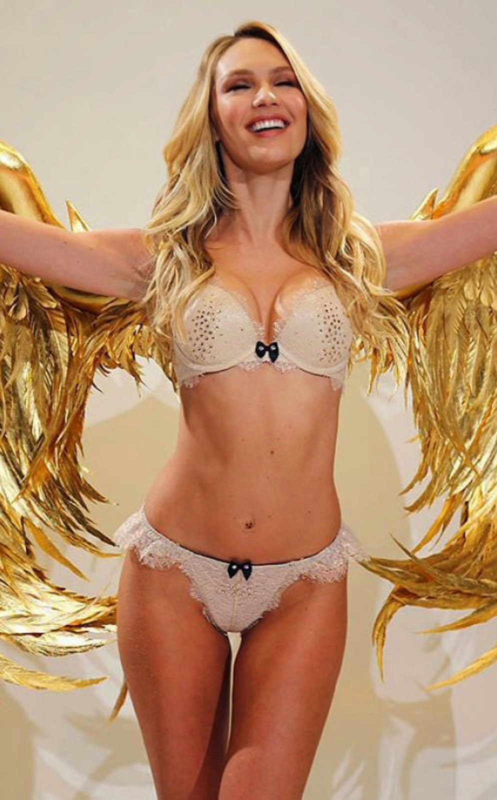 VICTORIA'S SECRET FASHION SHOW 2014 CANDICE SWANEPOEL