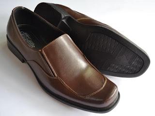 Gambar Sepatu Kulit Coklat