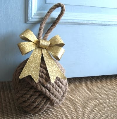 Bows for easy Christmas decorations