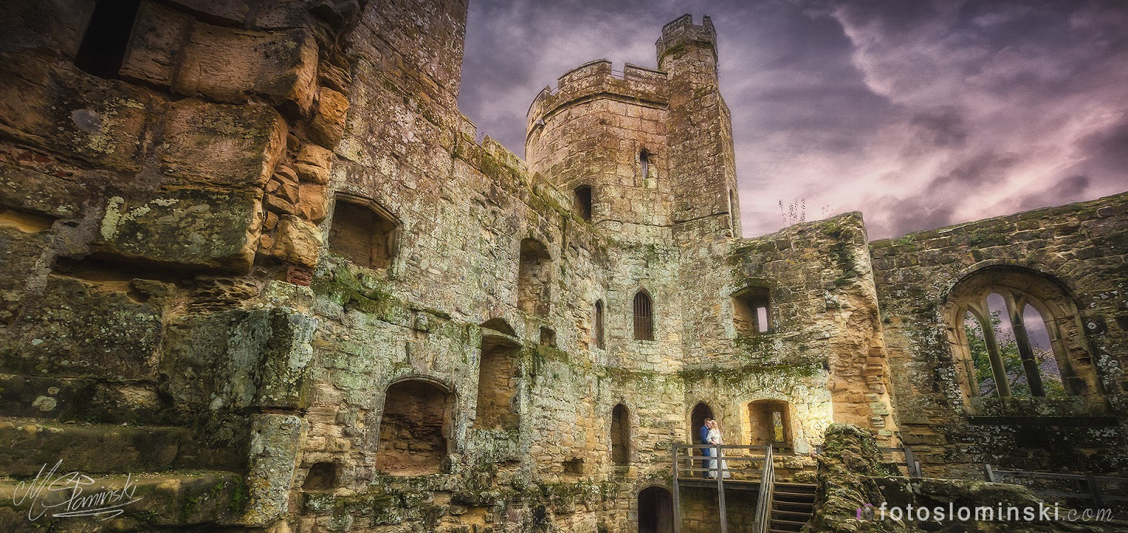 Dziś piękny zamek Bodiam w Wielkiej Brytanii - Fotografia ślubna Słomiński Wrocław.