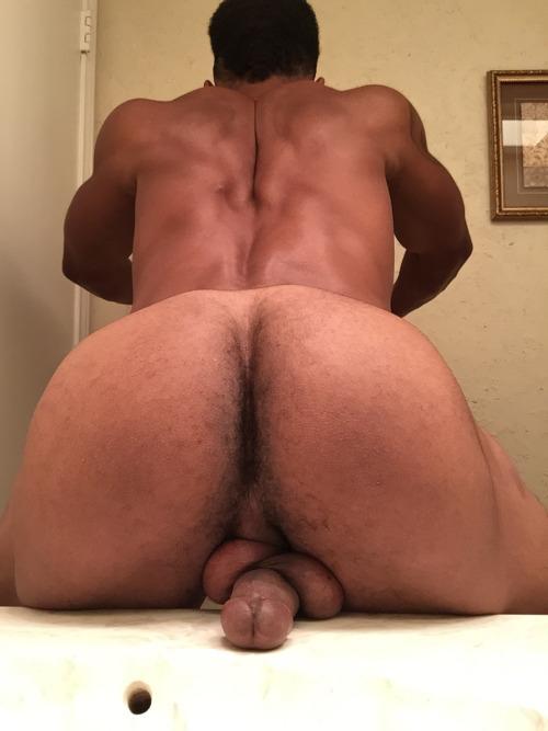 Huge swinging tits masturbation