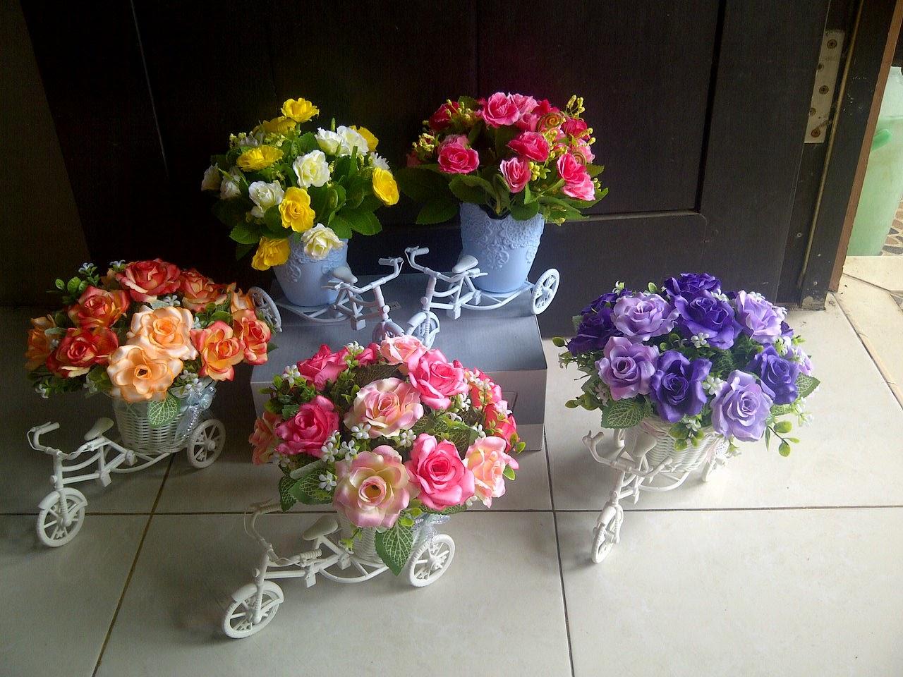 Pondok Dahar Lauk Jogja Bunga Rangkai Kecil Tabletop