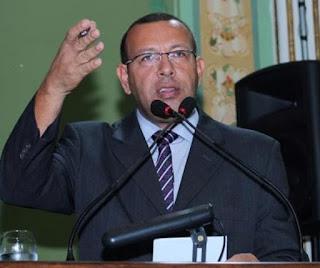 Depois de 17 anos de briga judicial, a Procuradoria Geral do Estado da Bahia orienta reintegração do deputado estadual Soldado Prisco