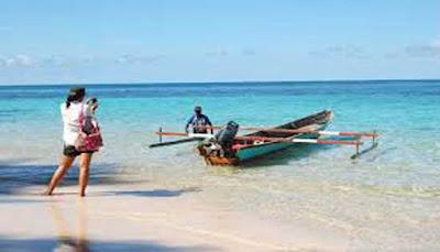 Pantai-Pulau-Um