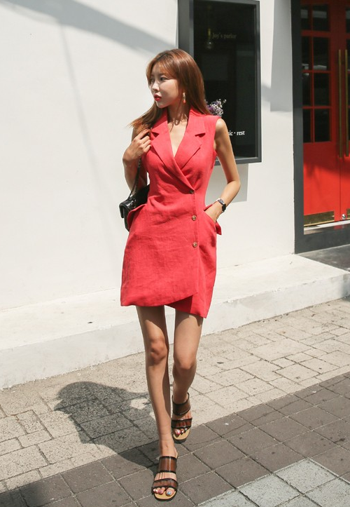 Sleeveless Notch Lapel Dress