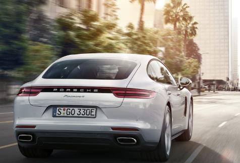 2018 Porsche Panamera 4 E-Hybrid Performance