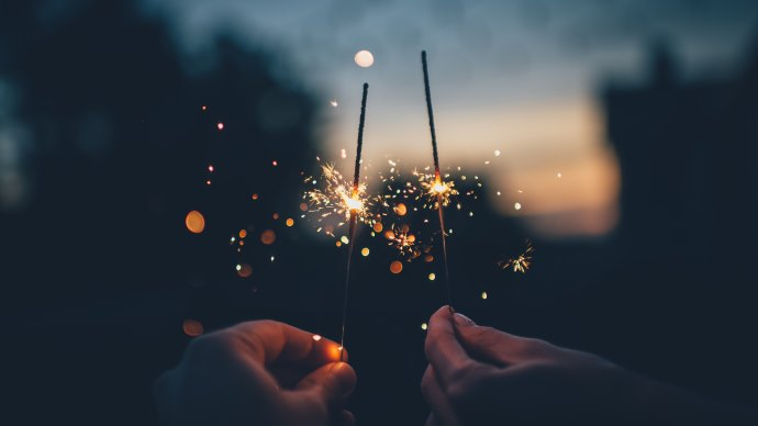 Wallpaper: Two Fireworks