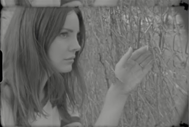 Video: Lana Del Rey - Mariners Apartment Complex