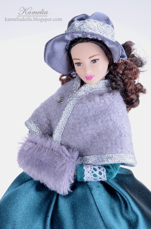 Hat, cape and muff for Barbie doll.