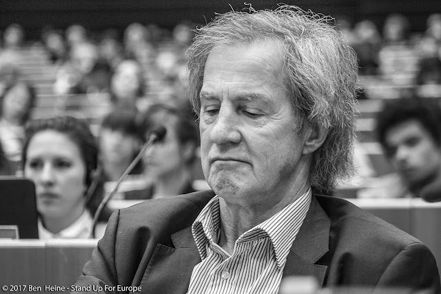 European Deputy - Stand Up For Europe - Students for Europe - European Parliament - Photo par Ben Heine