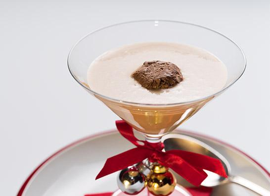 deliciosa mousse de chocolate con un crema de turrón, una receta navideña
