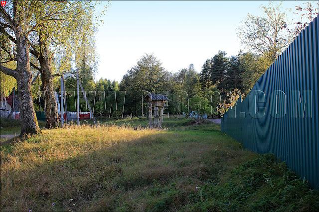 Новополье. Агроусадьба 'Старый млын'. Избушка на курьих ножках