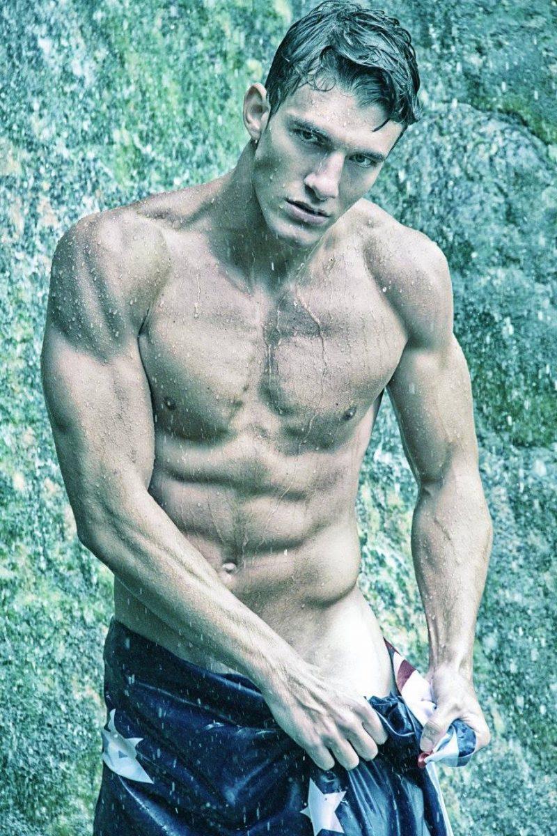 Toda a sensualidade do modelo espanhol Carlos Alonso Jimenez de 19 aninhos