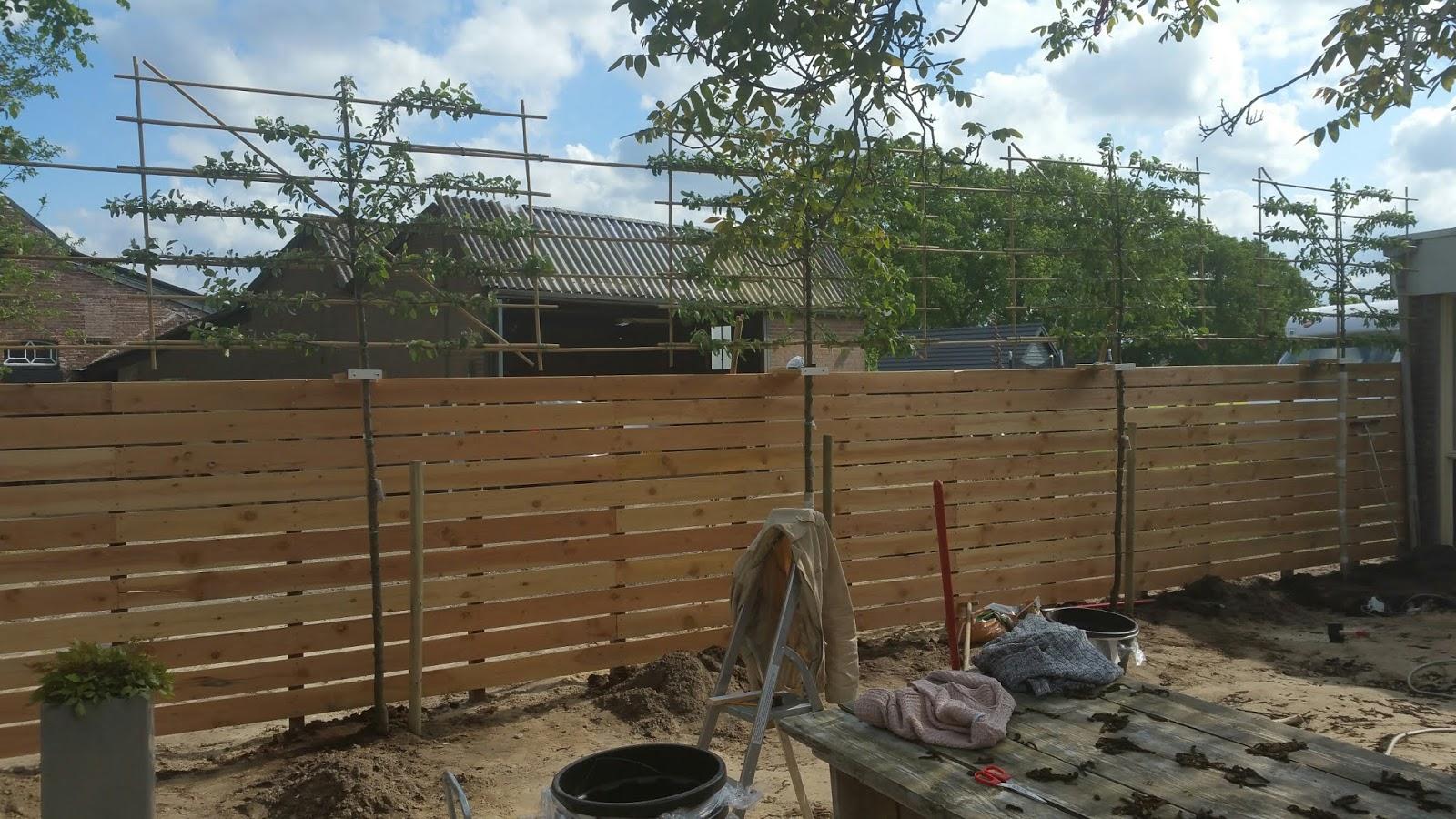 Elektra Aanleggen Tuin : Atelier het uilenhuis zomer in de tuin