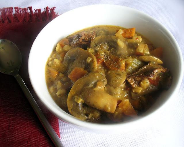 Hearty Mushroom and Barley Soup