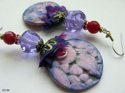 Lila Ohrringe aus Glas und Polymer Clay