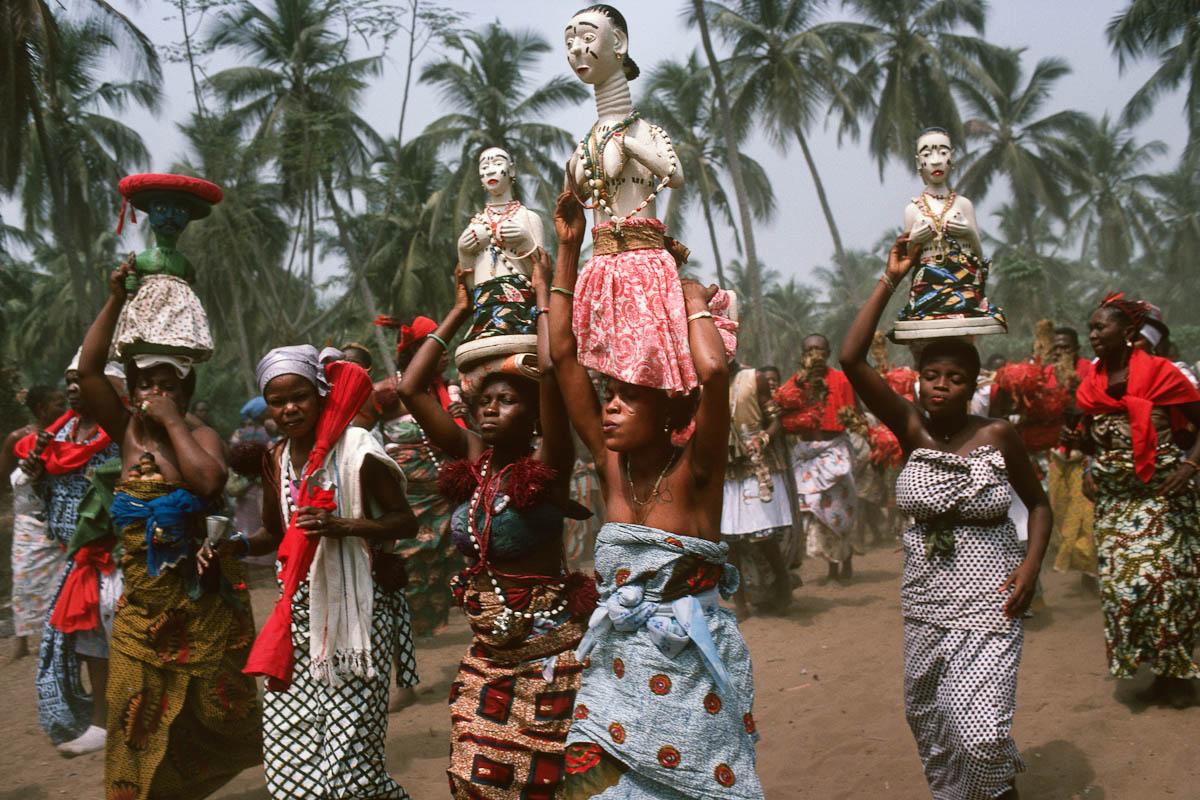 прикрученная намертво религиозные обряды африки проблеме дал татьянин