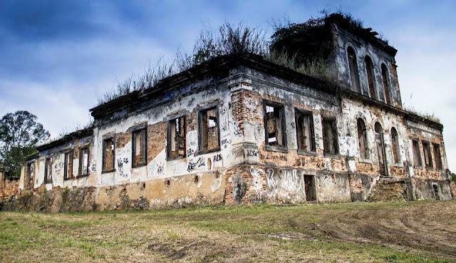 Os restos de uma história; Fazenda São Bernardino: em Nova Iguaçu