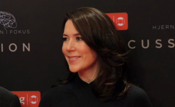 Crown Princess Mary of Denmark attended, as patron of the Brain Injury Association, the gala premiere of the movie 'Concussion'