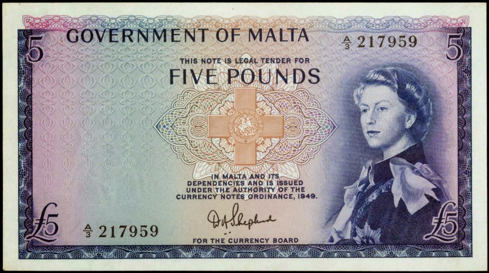 Malta 5 Pounds banknotes Queen Elizabeth