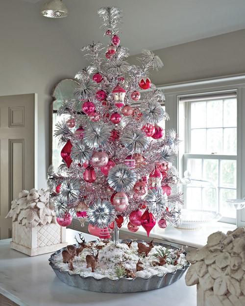 Vintage Christmas Tree: { Source }