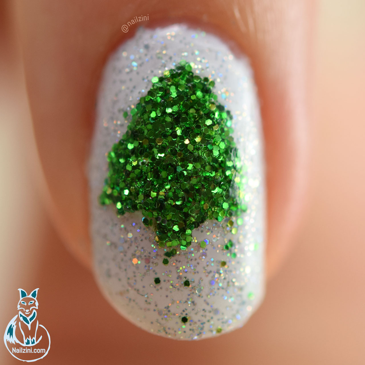 Glitter Christmas Tree Nail Art WITHOUT Nail Art Tools
