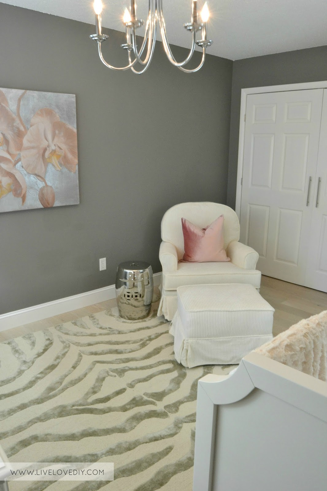 Toys R Us Glider Chair Hickory Furniture Outlet White Baby Rocking Zelfaanhetwerk