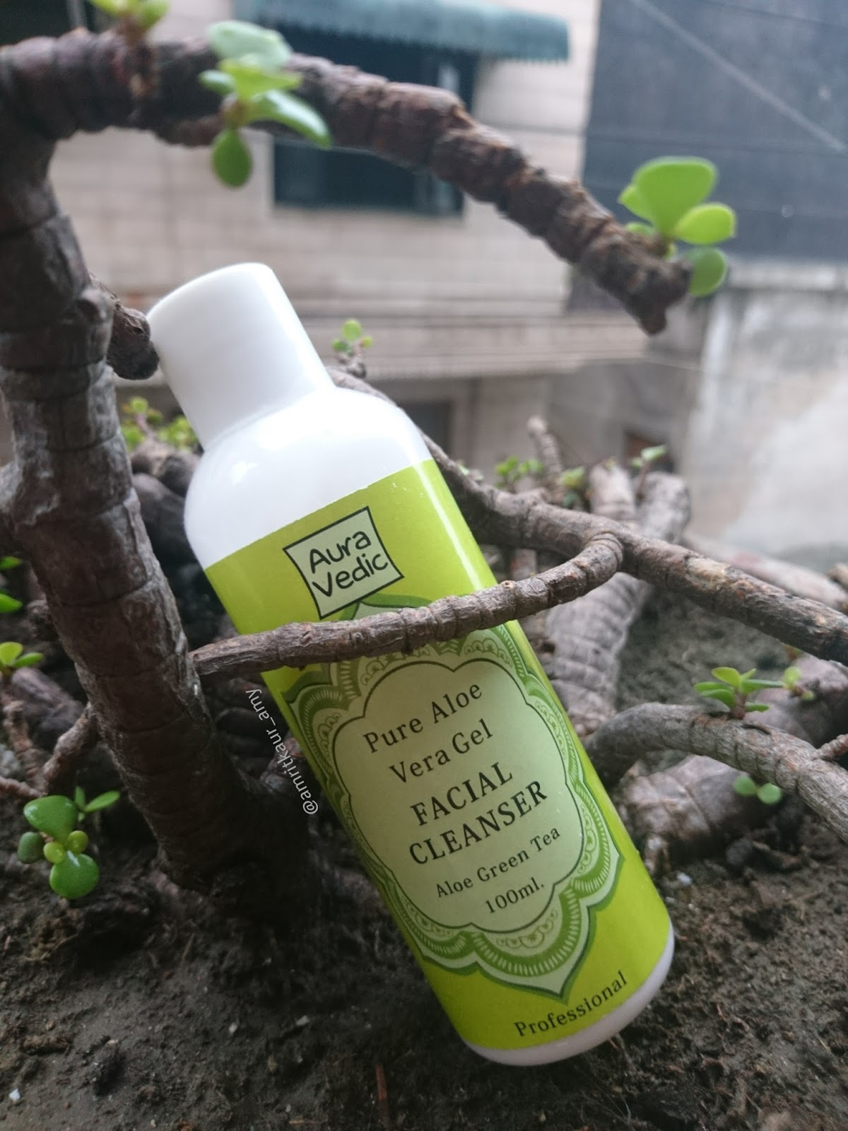 Buyers of herbal product - They Prefer Buying Products Which Have Herbal Or Organic Ingredients So I Am Going To Tell You About A Natural And Herbal Brand I Am Reviewing Aura Vedic