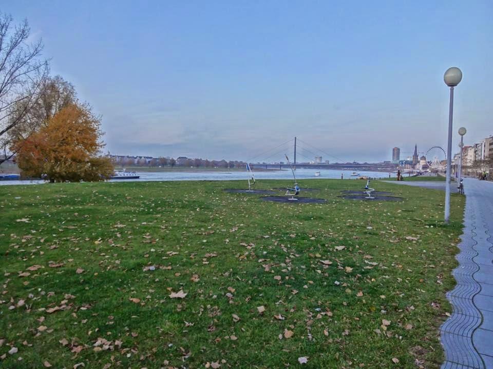 Rheinuferpromenad