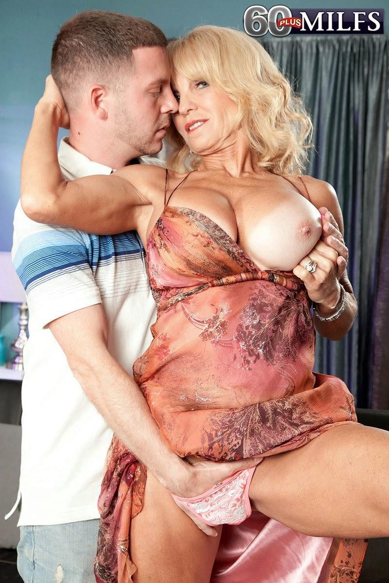 Fat mature tits sex