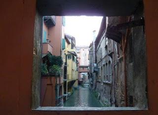 Bolonia, la Finestrella.