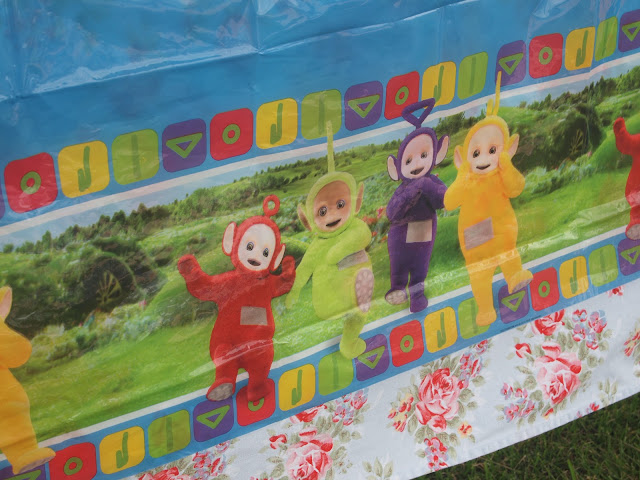 Teletubbies table cover