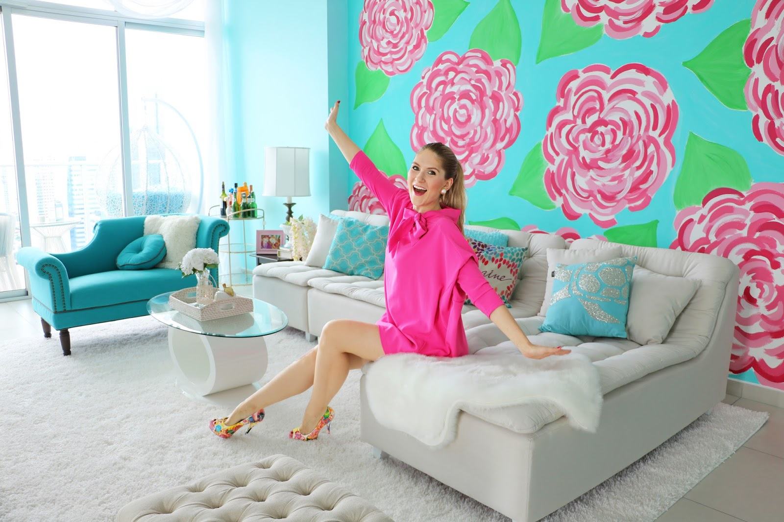 Check out what a girly Fashion blogger's apartment looks like!