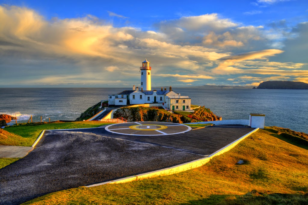 Beautiful Lighthouses around the World - Fanad Head Lighthouse, Ireland