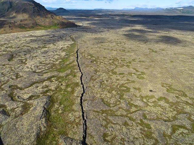 Iceland crack
