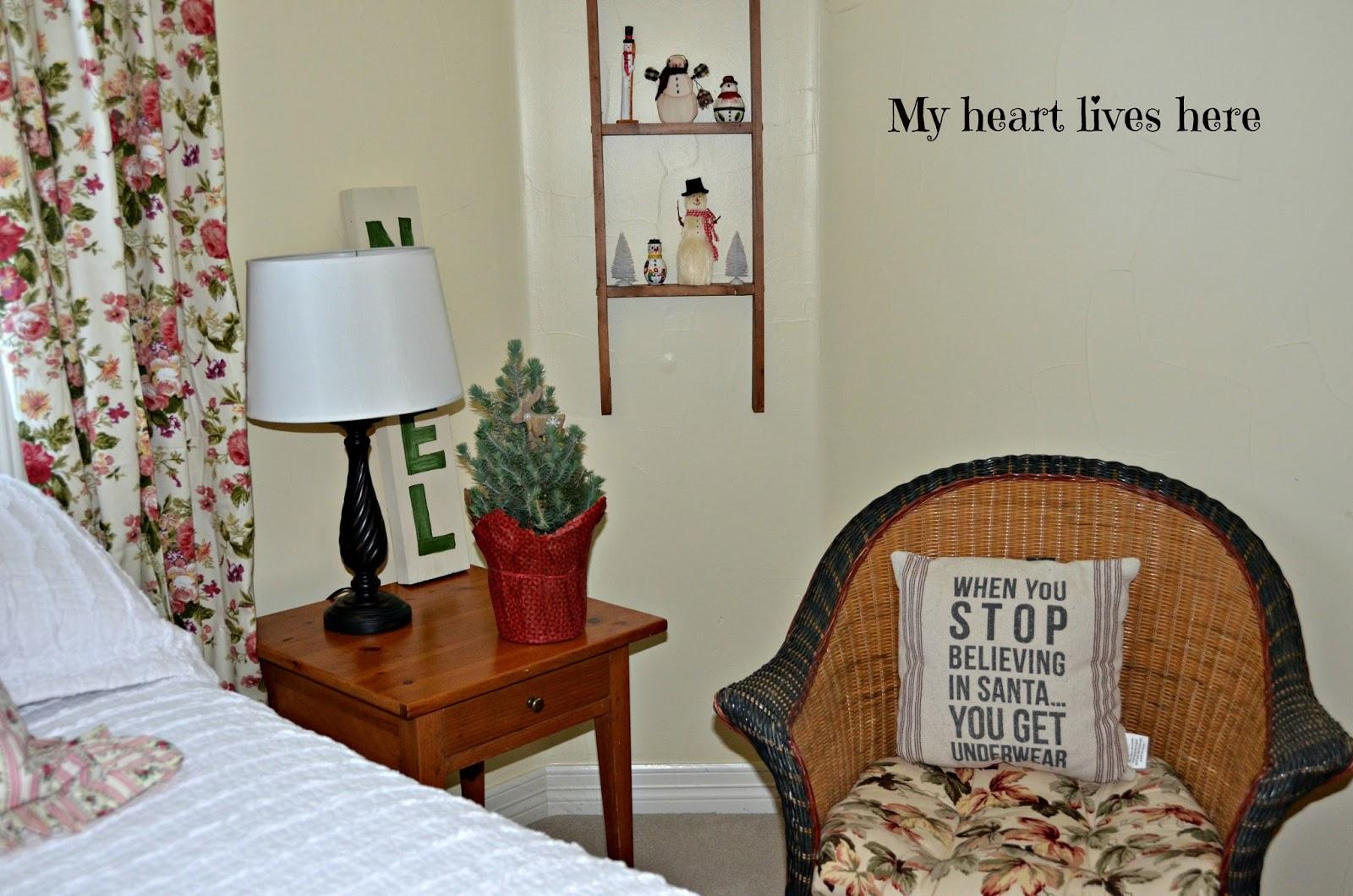 Christmas Guest Bedroom