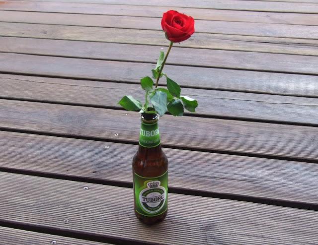 Im Paradies dänischen Essens. Unsere Lieblings-Lebensmittel im Urlaub. Mein Mann trinkt auch gerne Bier aus Dänemark.