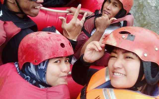 Asiknya Rafting di Bandung dengan Gravity Adventure Pangalengan