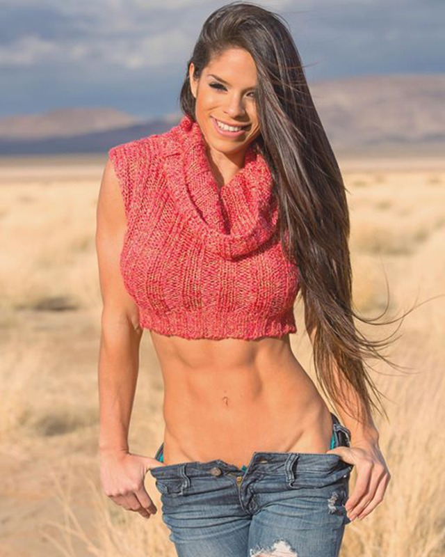 Fitness girl Michelle Lewin