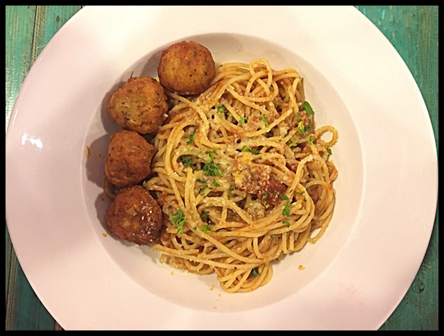 Spaghetti marinara- Meatball